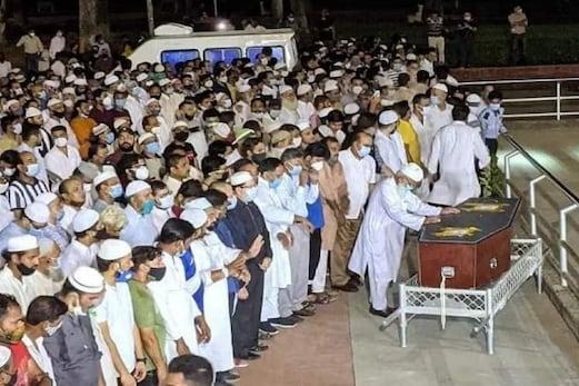 افغانستان میں مارے گئے ہندوستانی صحافی دانش صدیقی جامعہ ملیہ اسلامیہ کے قبرستان میں سپرد خاک