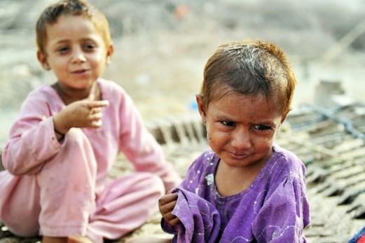 پاکستان میں بچوں کونہیں مل رہاہے تغذیہ سے بھرپورکھانا،وزیراعظم عمران خان کا اعتراف
