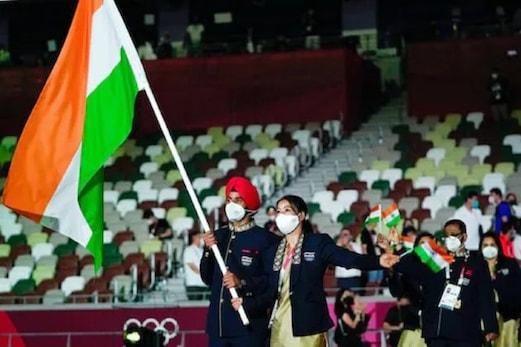 Tokyo Olympics : ٹوکیو میں ایک سال کی تاخیر سے کھیلوں کا مہا کمبھ شروع، افتتاحی تقریب میں سبھی ممالک کی نظر آئی طاقت