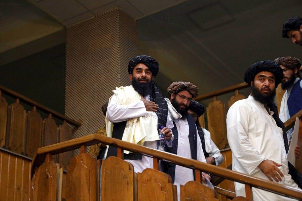 طالبان بھی افغانستان کے اکثریتی فرقہ حنفی مسلمانوں کا ہی ایک گروہ ہے۔ طالبان کو شدت پسند مسلمان قرار دیا جاتا ہے۔