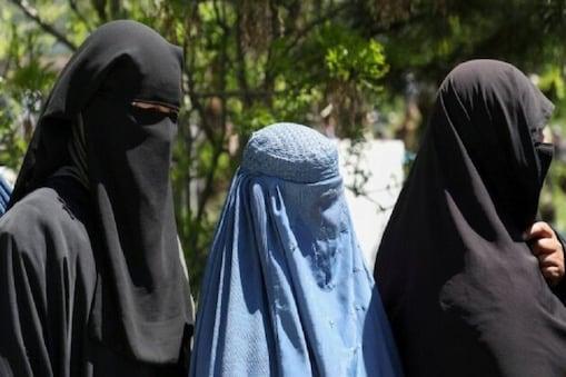 طالبان چاہتے ہیں کہ ان کے جنگجو ان لڑکیوں سے شادی کریں اور انہیں جنسی غلام بنائیں۔ طالبان اپنے جنگجوؤں کے لیے گھر گھر جاکر 12 سے 15 سال کی لڑکیوں کو اٹھا لے جا رہے ہیں۔