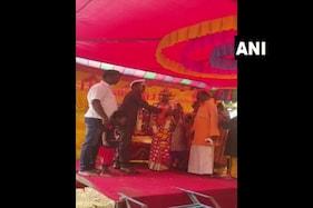 ایک مسلمان نے دس سال یتیم ہندو لڑکی کی پرورش کی اور ہندو لڑکے سے کرائی شادی