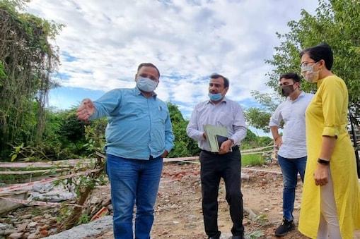 اب دہلی حکومت اس پروجیکٹ کا کام صرف 60 کروڑ میں مکمل کرے گی۔ وزیر جل نے ڈی جے بی کے عہدیداروں کو ہدایت دی ہے کہ وہ نئے طریقوں پر کام کریں تاکہ یہ کام دو سالوں میں مکمل ہو سکے۔