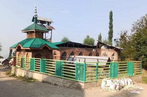 جموں و کشمیر : بڈگام ضلع میں ہے ایک انوکھا قدیم چشمہ ، نہانے اور پانی پینے سے کئی امراض ہوتے ہیں دور!
