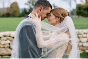 انتہائی خوبصورت نظر آئیں ارب پتی بل گیٹس کی بیٹی،  سامنے آئیں شوہر سنگ شادی کی خاص تصاویر