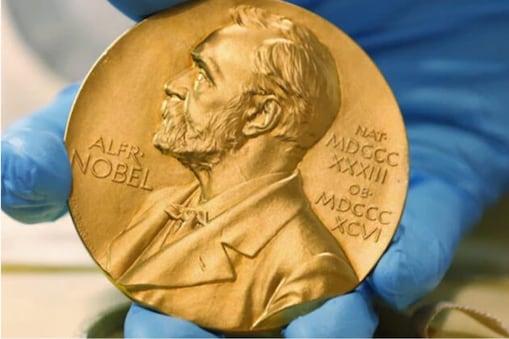 Nobel Prize 2021: ڈیوڈ کارڈ سمیت تین سائنس دانوں کو ملا اقتصادیات کا نوبل انعام