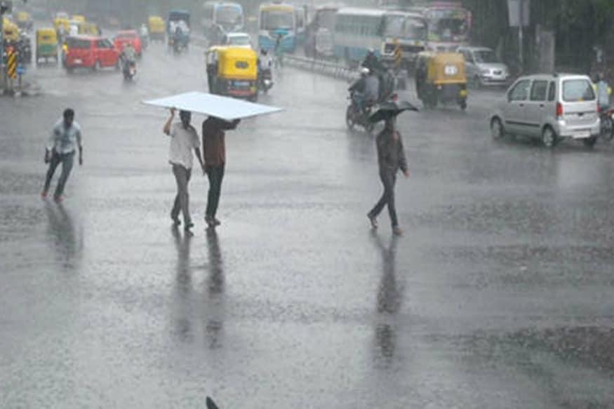 சென்னையை பொருத்தவரை வானம் ஓரளவு மேகமூட்டத்துடன் இருக்கும். அதிகபட்ச வெப்பநிலையாக 36 டிகிரி செல்சியஸ் ஆகும் குறைந்தபட்ச வெப்பநிலையாக 28 டிகிரி செல்சியஸ் வரை பதிவாகும் என்று அறிவிக்கப்பட்டுள்ளது.