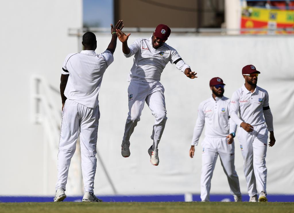 இங்கிலாந்து கிரிக்கெட் அணி, வெஸ்ட் இண்டீஸில் சுற்றுப்பயணம் மேற்கொண்டு 3 விதமான கிரிக்கெட் தொடர்களில் விளையாடி வருகிறது. முதல் டெஸ்ட் போட்டியில் வெஸ்ட் இண்டீஸ் அணி 381 ரன்கள் வித்தியாசத்தில் அபார வெற்றி பெற்றது. (ICC)