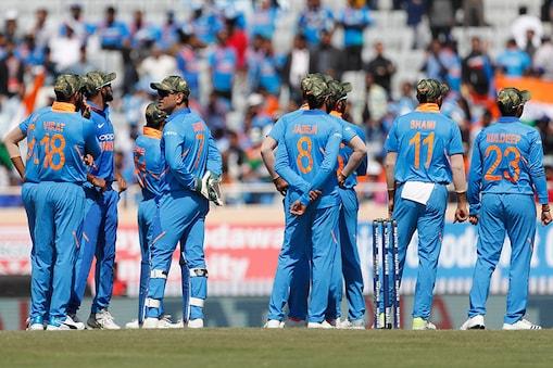 ராணுவ தொப்பி அணிந்த இந்திய வீரர்கள். (Image: AP)