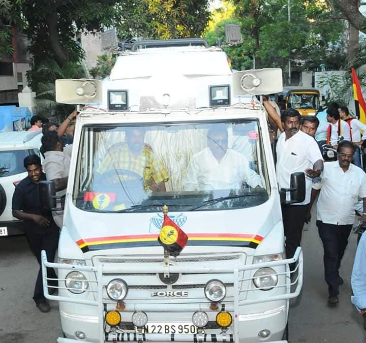 இந்தமுறை மக்களவைத் தேர்தலுக்காக தே.மு.தி.க பொதுச் செயலாளர் விஜயகாந்த் முதன்முறையாக தேர்தல் பிரசாரத்தில் இறங்கியுள்ளார்.
