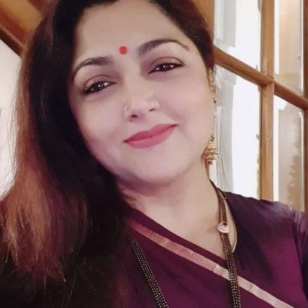 நடிகை குஷ்பூ.