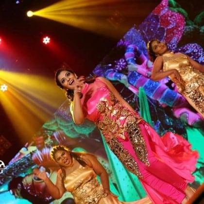 நடிகை வரலட்சுமி சரத்குமார்