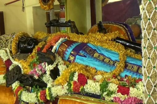 30-ம் நாளான இன்று அத்திவரதர்