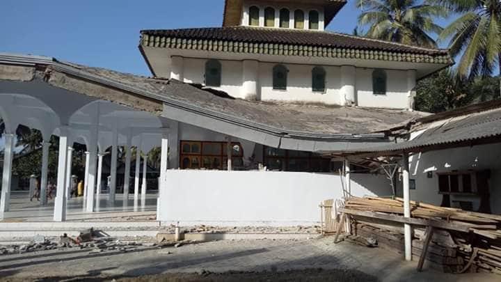 நிலநடுக்கத்தால் ஏற்பட்ட உயிரிழப்புகள் குறித்த தகவல்கள் இல்லை. மேலும் சுனாமி எச்சரிக்கை எதுவும் விடுக்கப்படவில்லை (Photo : Twitter/BNPB Indonesia)