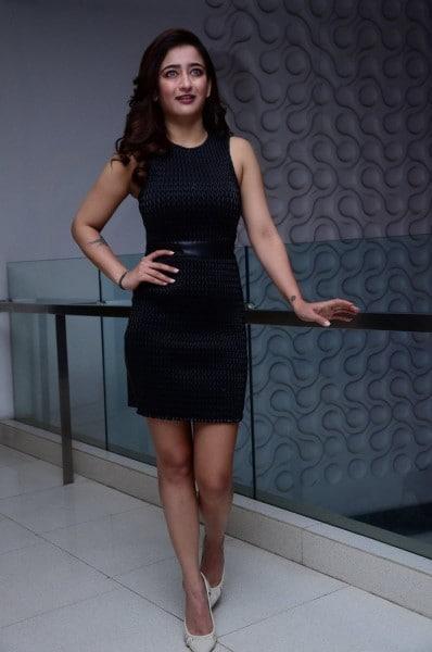 நடிகை அக்ஷரா ஹாசன்