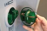 ATM-ல் ஸ்கிம்மர் கருவி பொருத்தியிருந்தால் எப்படி கண்டுபிடிப்பது?