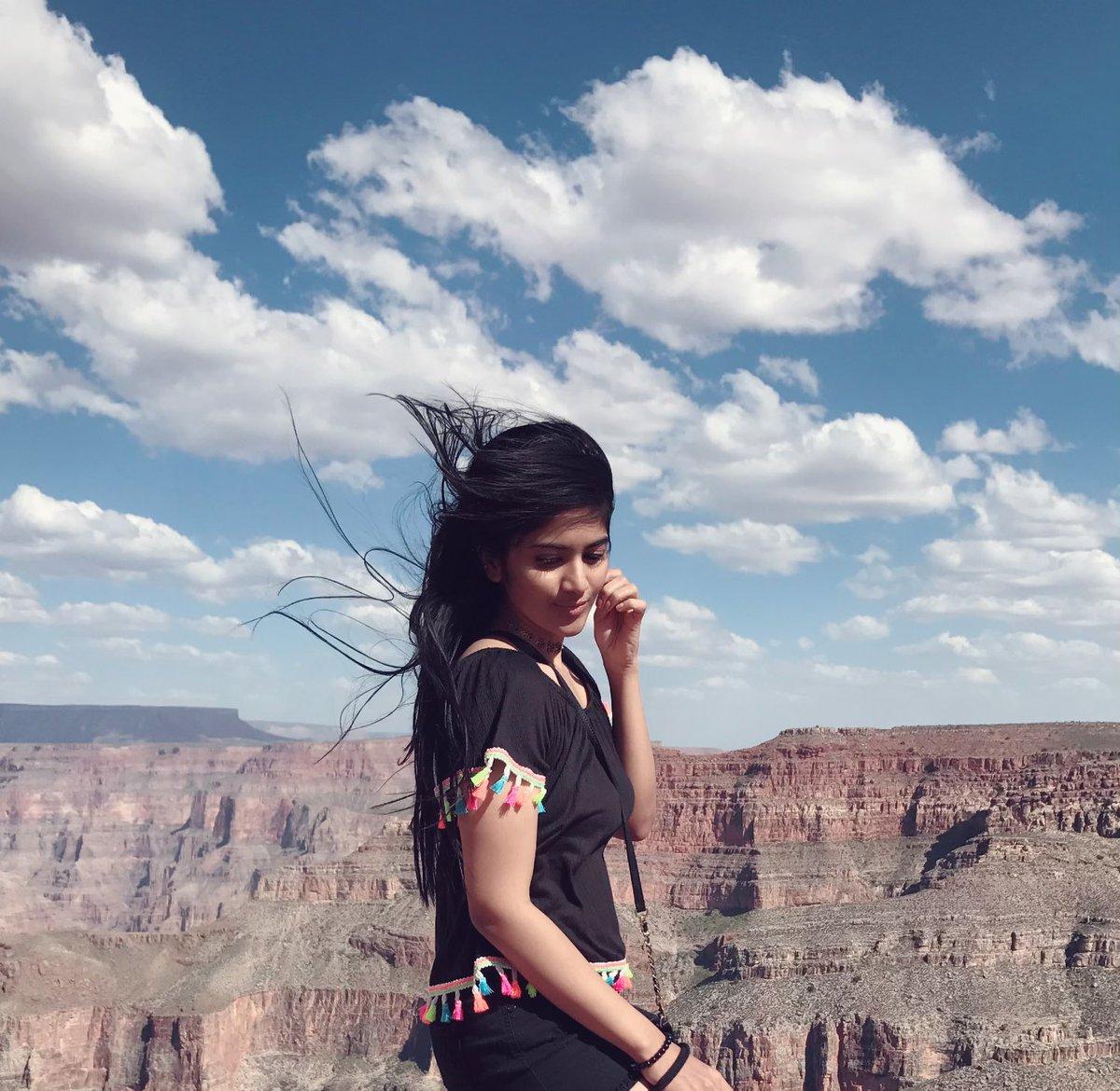 நடிகை மேகா ஆகாஷ். (Image: Twitter)