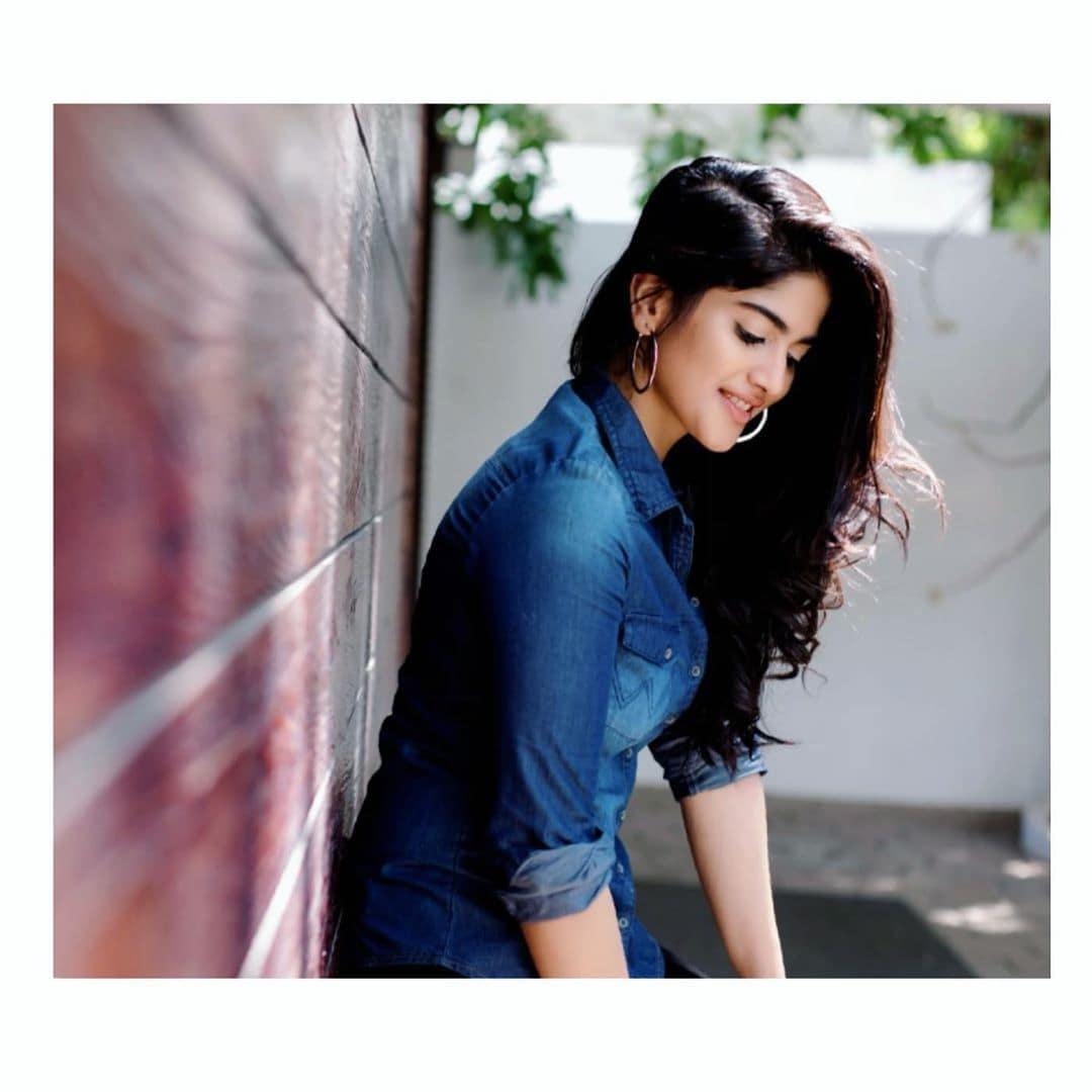 நடிகை மேகா ஆகாஷ். (Image: Instagram)