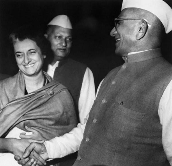 இந்திரா காந்தி மற்றும் முரார்ஜி தேசாய்