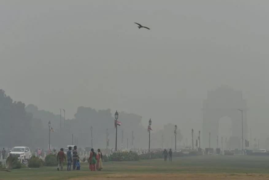 டெல்லி காற்று மாசு பாதிப்பு - இந்தியா கேட்