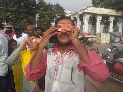 Solar Eclipse   அரிய நிகழ்வான 'பகுதி' சூரிய கிரகணம் - தமிழகத்தில் எப்போது பார்க்கலாம்?