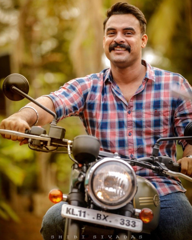 நடிகர் டொவினோ தாமஸ். (image: Instagram)