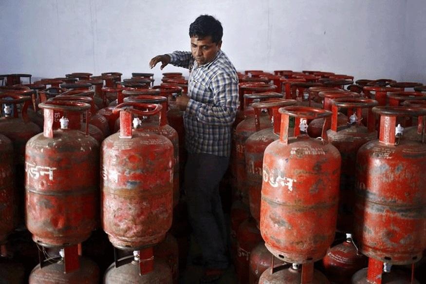 சென்னை, டெல்லி, மும்பை உள்ளிட்ட மெட்ரோ நகரங்களில் மானியமில்லாத இந்தியன் சமையல் கேஸ் விலை சுமார் 37 ரூபாய் வரை உயந்துள்ளது