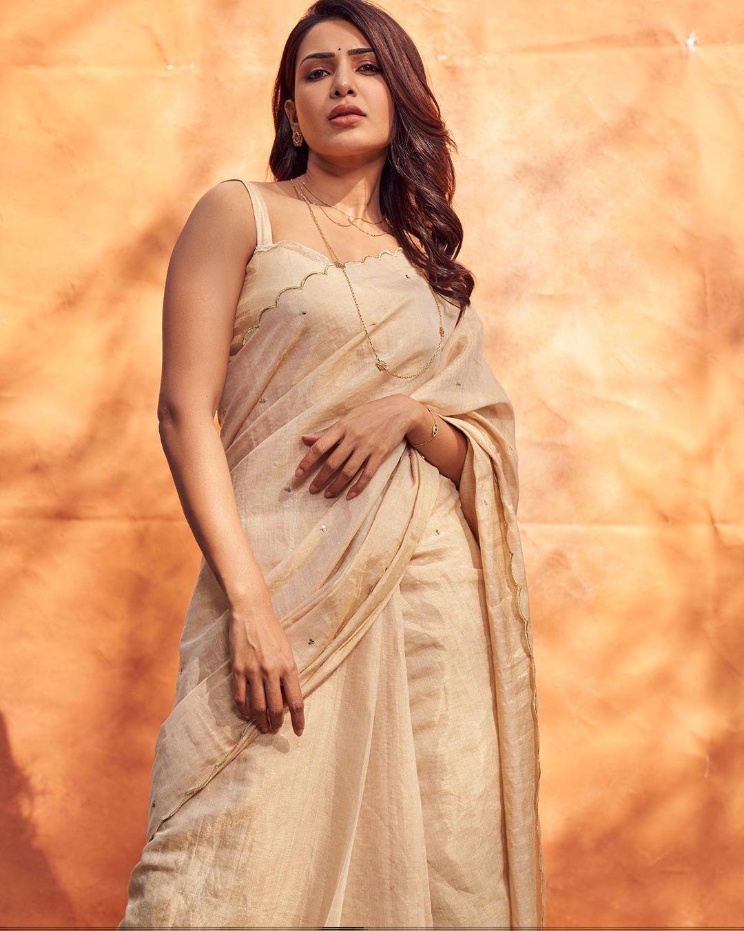 இணையத்தை கலக்கும் சமந்தாவின் புகைப்படங்கள் ( IMAGE: INSTAGRAM )