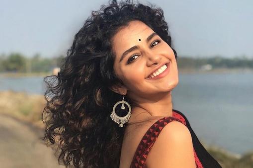 நடிகை அனுபமா பரமேஸ்வரன்