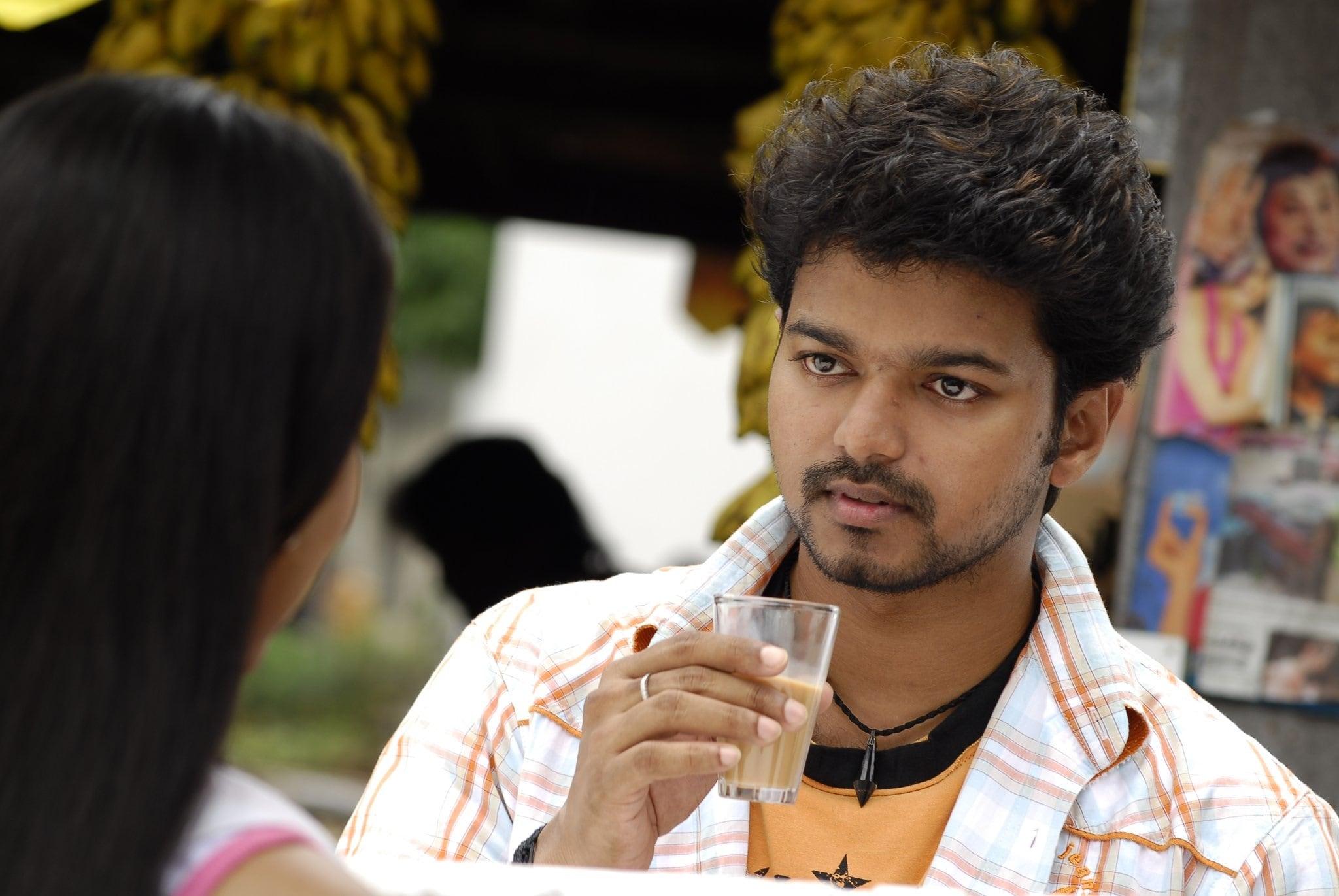 இணையத்தை கலக்கும் நடிகர் விஜய்யின் புகைப்படங்கள் ( PHOTO : TWITTER)