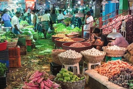 சென்னை கோயம்பேடு காய்கறி சந்தை நாளை மீண்டும் திறப்பு..  கேக் வெட்டி கொண்டாடிய வியாபாரிகள்..
