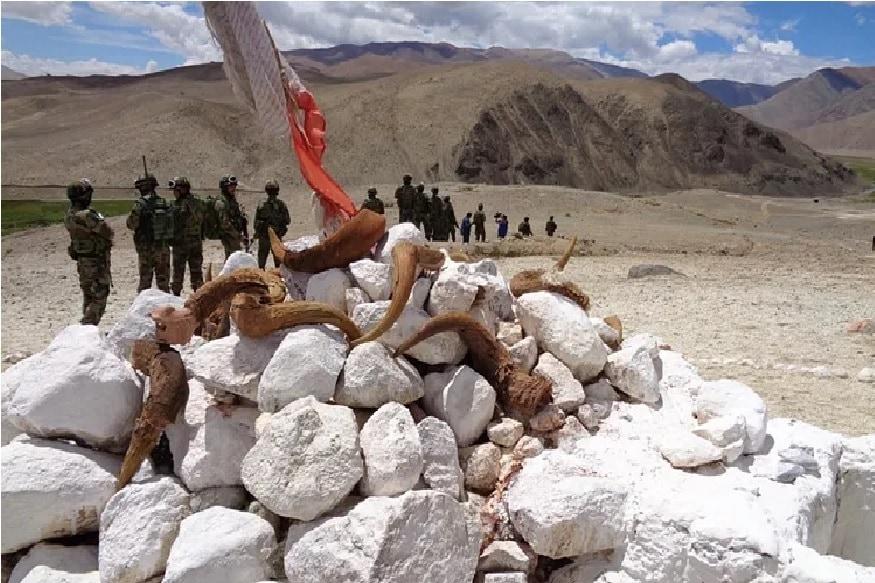 கடந்த மாதம் ஜூன் 15-ம் தேதி சீன ராணுவத்தினர் தாக்கியதலில் 20 இந்திய வீரர்கள் வீரமரணம் அடைந்தனர்.