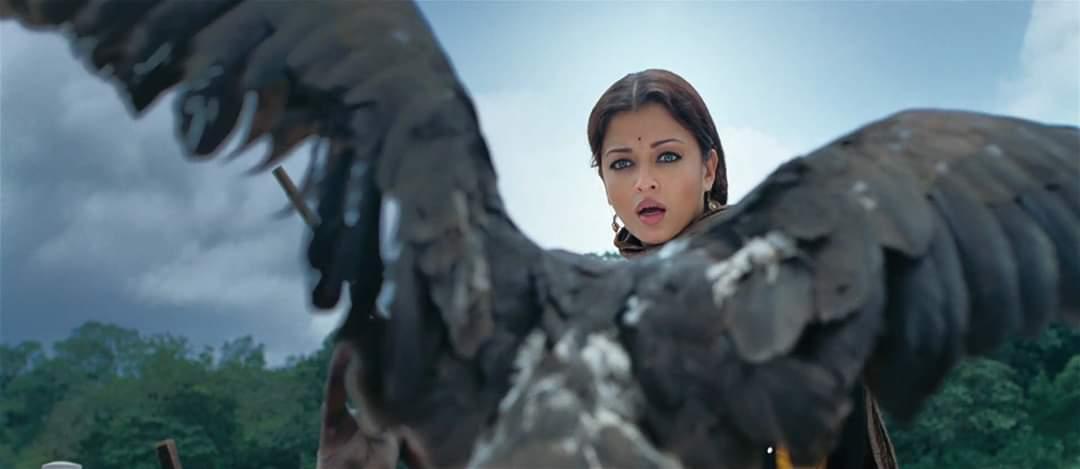 ட்ரெண்டிங்கில் ஐஸ்வர்யா ராய், விக்ரம் புகைப்படங்கள் ( IMAGE : TWITTER )