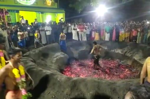 திருப்புவனம் அருகே அதிகாலையில்இந்துக்கள் கொண்டாடிய மொகரம் பண்டிகை