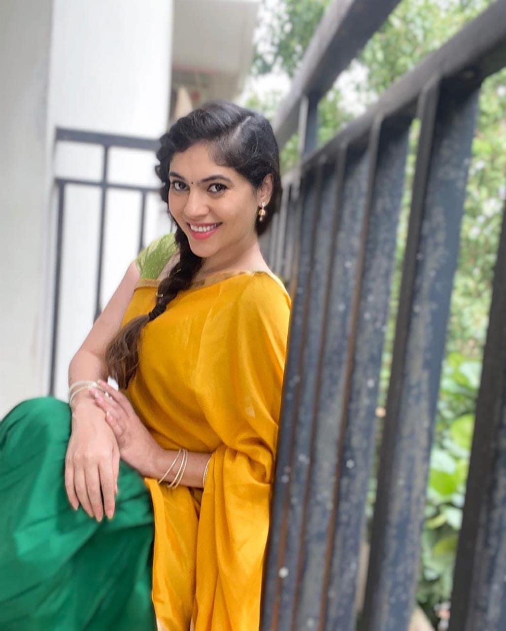 நடிகை ஷெரின் (படங்கள் - இன்ஸ்டாகிராம்)