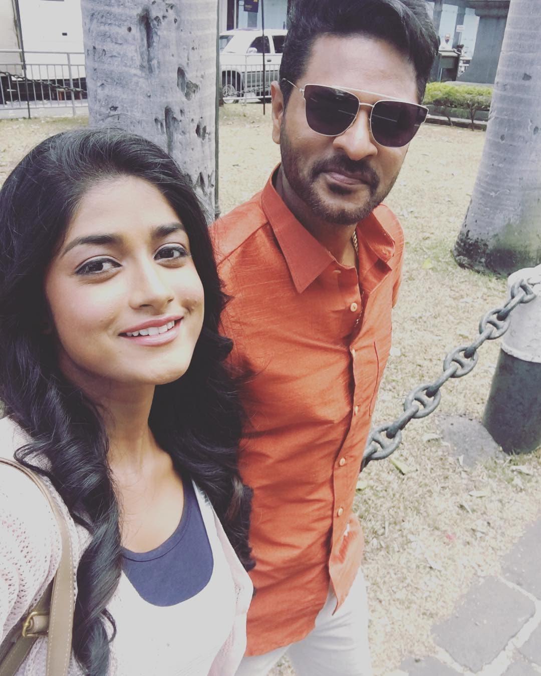 டிம்பிள் ஹயாதி பிரபு தேவா உடன் 'தேவி 2' படத்தில் முக்கிய கதாபாத்திரத்தில் நடித்திருந்தார்.