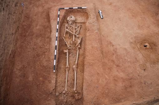 கொந்தகையில் மனித முழு எலும்பு கூடுகள் கண்டுபிடிப்பு
