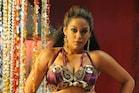 நடிகை முமைத்கான் மீது கார் ஓட்டுநர் பணமோசடி குற்றச்சாட்டு