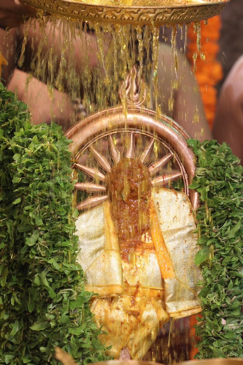 சக்கரத்தாழ்வார் தீர்த்தவாரியுடன் இறுதி நாள் நிகழ்ச்சிகள் தொடக்கம்