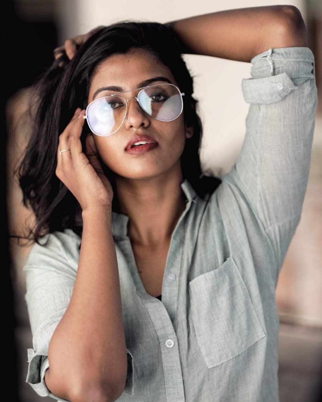 நடிகை ரோஷினி ஹரிப்ரியன்