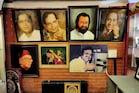 எஸ்.பி.பி வீட்டில் அடுக்கி வைக்கப்பட்டிருக்கும் விருதுகள்