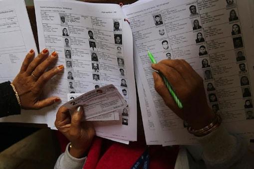 தமிழகத்தில் 12.9 லட்சம் பேர்: 80 வயதுக்கு மேற்பட்ட வாக்காளர்களின் எண்ணிக்கையை வெளியிட்ட தேர்தல் ஆணையம்