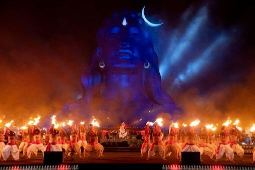 ஈஷா யோகா மையத்தில்  மகா சிவராத்திரி விழா கோலாகல கொண்டாட்டம்!