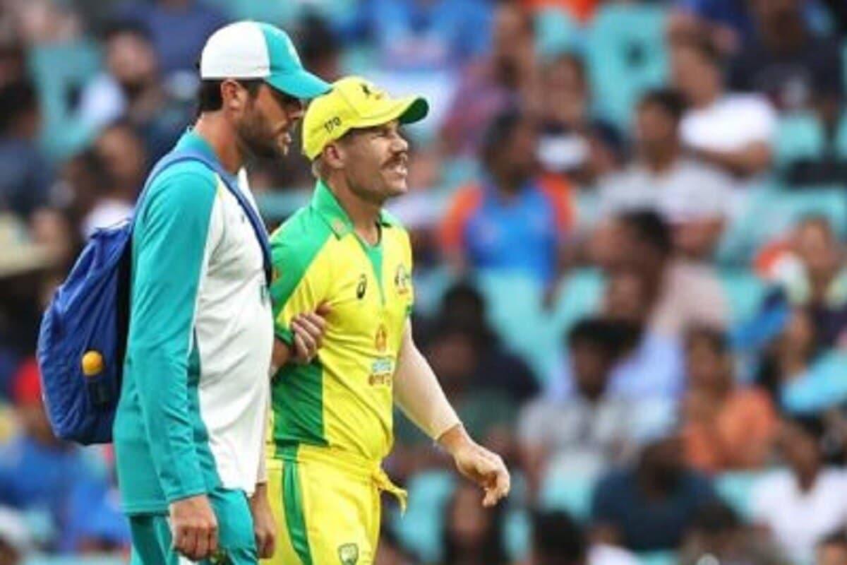 இந்திய அணிக்கு எதிரான 2-வது போட்டியில் ஆஸ்திரேலிய அணியின் தொடக்க வீரர் டேவிட் வார்னா் காயமடைந்தார்.