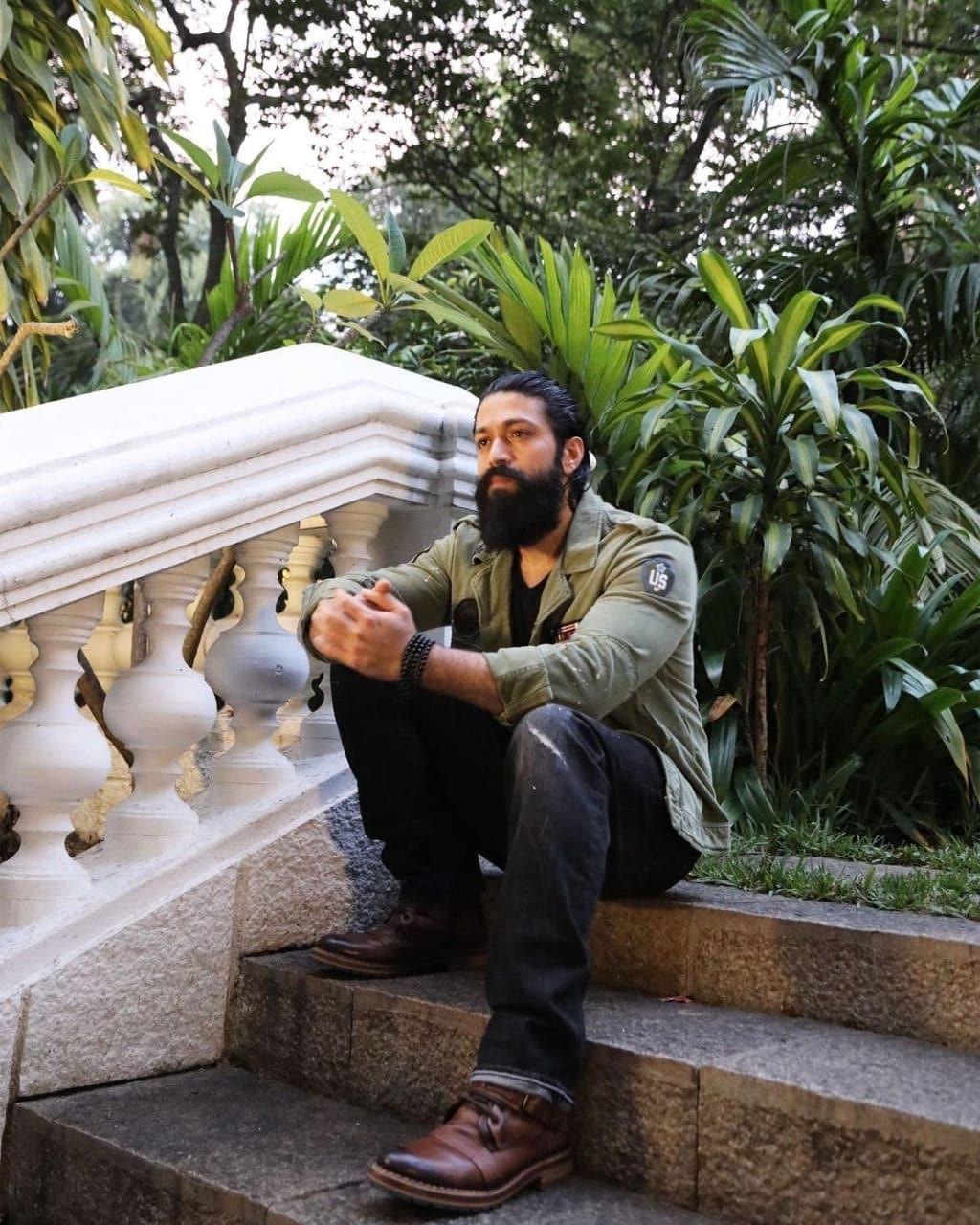 நடிகர் யாஷ் ( படங்கள் இன்ஸ்டாகிராம்)