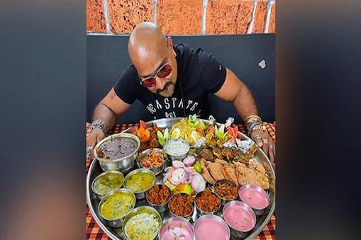 4 கிலோ அசைவ சாப்பாடுஒரு மணி நேரத்தில் சாப்பிட்டால் ஒரு ராயல் என்பீல்டு பைக் பரிசு