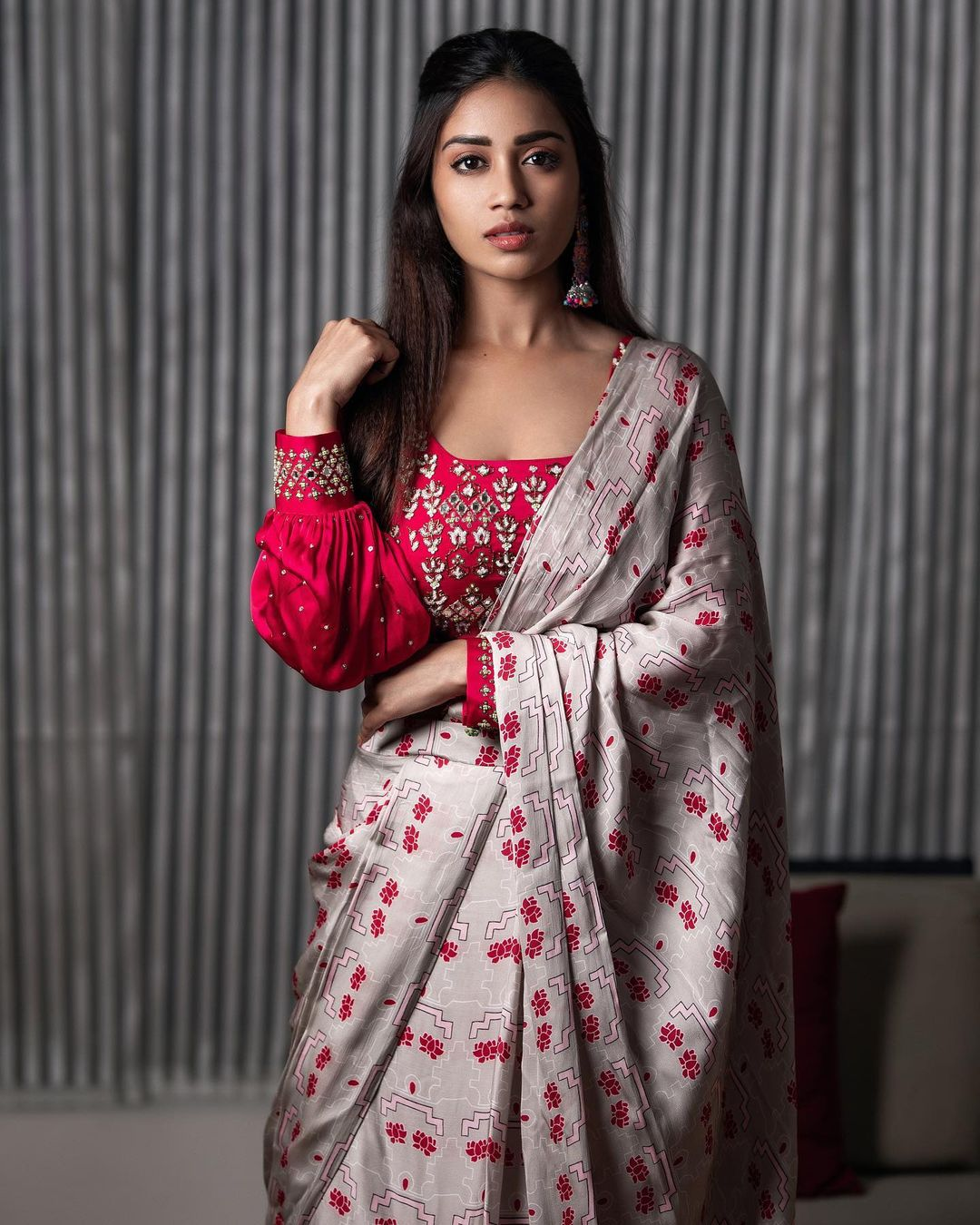 <br />நடிகை நிவேதா பெத்துராஜ் ( Image : Instagram @nivethapethuraj)