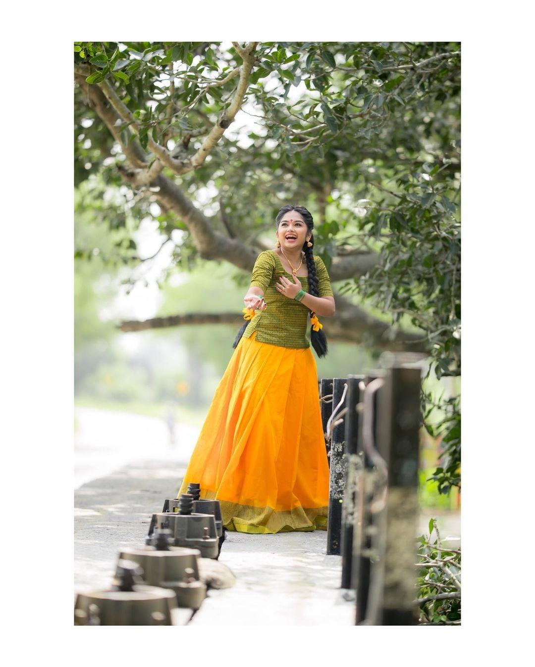 Sun TV Chithi 2 Serial Actress Preethi Sharma Beautiful Pictures