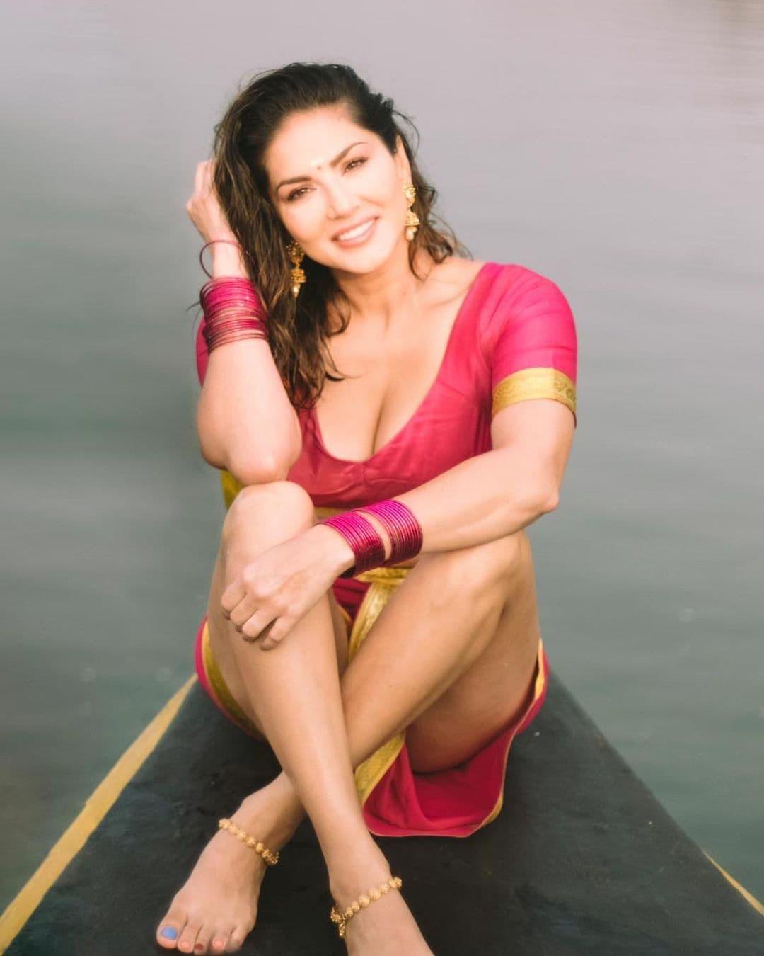 நடிகை சன்னி லியோன் ( Image : Instagram @sunnyleone)