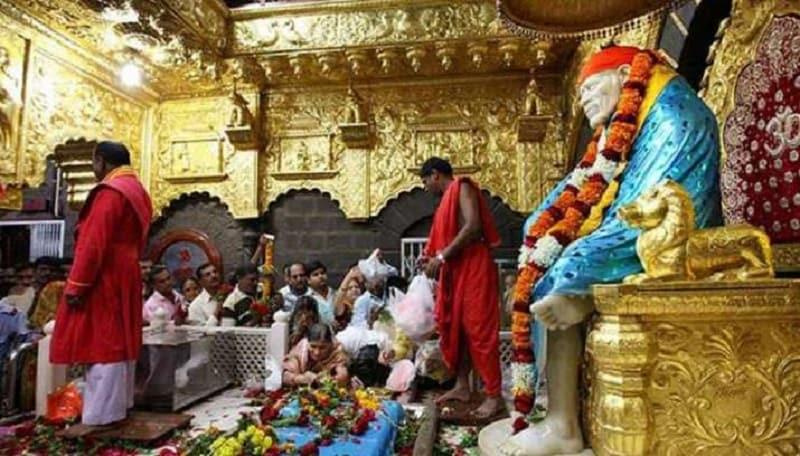 ஆல்கஹால் இல்லாத நகரம்: சீரடியில் மதுவை குடிப்பதற்கானcமுறைகள் வேறுமாதிரி இருக்கும். நகரத்தின் பெரும்பாலான இடங்களில் ஆல்கஹால் விற்கப்படுவதில்லை.